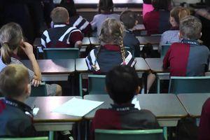 Nhiều bang ở Australia lách luật cho học sinh nghỉ học phòng Covid-19