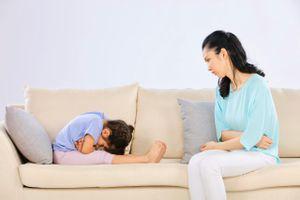Nỗi khổ tâm của mẹ khi bé bị táo bón, ốm vặt trong mùa dịch