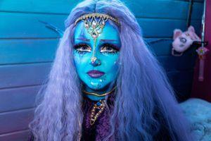 9X mê nhuộm da xanh, muốn trở thành người ngoài hành tinh