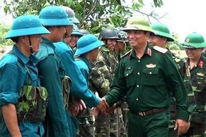 Xây dựng lực lượng Dân quân tự vệ vững mạnh, rộng khắp ở Quân khu 4