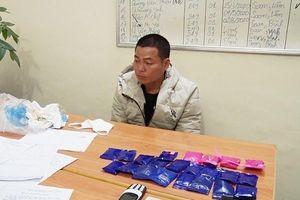 Bắt hai đối tượng mua bán hơn 4.300 viên ma túy tổng hợp