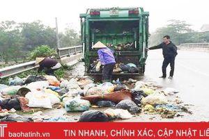 Tiếp thu phản ánh Báo Hà Tĩnh: Xã Tân Lâm Hương bắt quả tang 3 người đổ rác trên Tỉnh lộ 17
