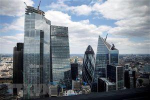 Kinh tế Anh đã 'rơi tự do' từ trước khi có lệnh phong tỏa