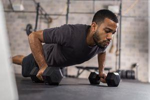 Tự tập luyện thể thao tại nhà qua mạng xã hội thế nào cho hiệu quả?