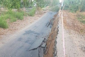 Thêm vụ sụt lún tuyến đường giao thông ở Cà Mau
