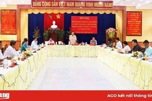 Đoàn giám sát Ban Thường vụ Tỉnh ủy làm việc tại Châu Đốc
