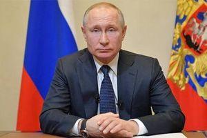 Tổng thống Nga V. Putin kêu gọi người dân đoàn kết chống dịch bệnh Covid-19