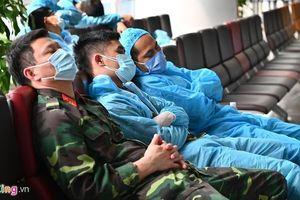 Nội Bài đón 425 hành khách về nước trước khi dừng nhập cảnh