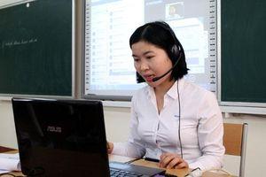 Vượt qua định kiến, trường nghề đào tạo online