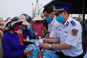 Bộ tư lệnh Vùng Cảnh sát biển 2 tuyên truyền phòng, chống dịch bệnh Covid - 19 tại Quảng Trị