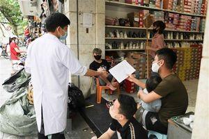 Hà Nội: Nhiều cửa hàng vẫn hoạt động sau đề nghị tạm đóng cửa