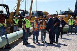 Một triệu lao động trong ngành dịch vụ dầu khí có thể mất việc