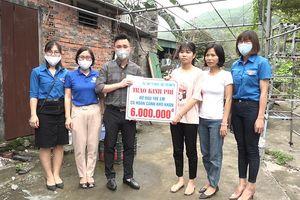 Cẩm Phả: Trao 36 triệu đồng đỡ đầu học sinh có hoàn cảnh khó khăn