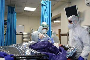 WHO kêu gọi bảo vệ đội ngũ y tế trên tuyến đầu chống dịch Covid-19