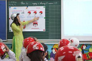 Gần 2 triệu chiếc mũ an toàn cho học sinh lớp 1