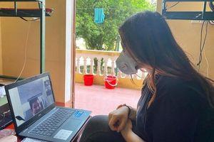 Du học sinh dành 14 ngày trong khu cách ly để dạy tiếng Anh miễn phí