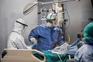 Số ca nhiễm Covid-19 và tử vong tại Italia lại tăng đột biến