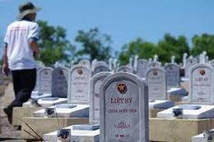 Có được hỗ trợ chi phí thăm viếng mộ liệt sĩ tại nghĩa trang gia tộc?
