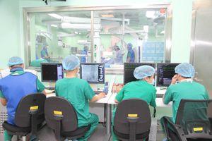 Cứu sống bệnh nhân phình động mạch chủ dọa vỡ nguy hiểm tính mạng