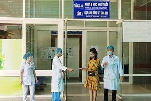 3 bệnh nhân Covid-19 ở Đà Nẵng ra viện: Những cảm xúc trái ngược