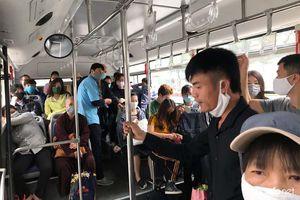 Giảm chuyến, xe bus đông kín khách, Sở GTVT Hà Nội nói gì?