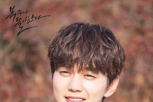 Sốc trước mối quan hệ thật của Jin (BTS) và Yoo Seung Ho: Lần đầu công khai, giấu đã quá lâu!
