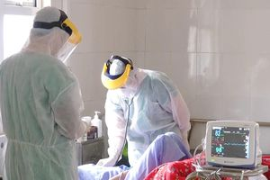 Đảm bảo trang thiết bị, vật tư y tế phòng, chống dịch