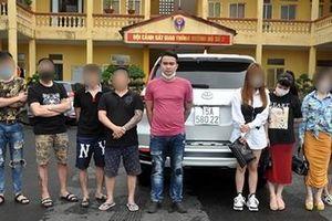 Nhóm thanh niên vi phạm nồng độ cồn, sử dụng ma túy trên xe ô tô