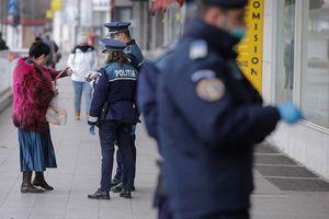 Romania phạt hơn 5.600 người vi phạm lệnh hạn chế đi lại vì Covid-19