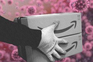 Các nhân viên kho của Amazon không thể về nhà: 'Tôi không muốn làm quá sức, nhưng tôi cần 22 USD/h đó, tôi cần công việc này!'