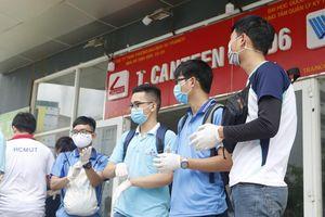 Ngày dọn dẹp cuối cùng của tình nguyện viên tại KTX ĐHQG TP.HCM
