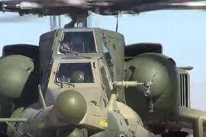 Phi công trẻ tập bắn rocket từ trực thăng vũ trang Mi-28UB