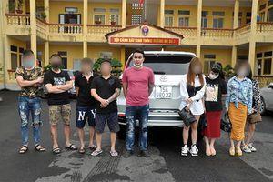 'Ổ nhóm' ma túy trên xe vi phạm nồng độ cồn ở Hải Dương
