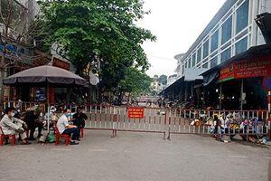 Người dân không còn ồ ạt mua thực phẩm tích trữ tại các chợ