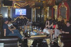 Bất chấp lệnh cấm, quán karaoke ở Hải Phòng vẫn hoạt động