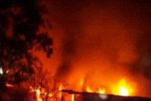 Hà Nội: Cháy nhà trong đêm thiêu rụi 3 cửa hàng tạp hóa
