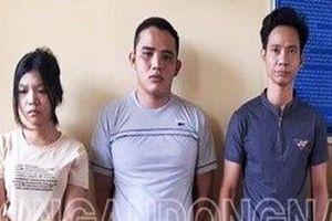 Bắt thêm 3 người tra tấn nữ nhân viên vì không kích dục chiều khách