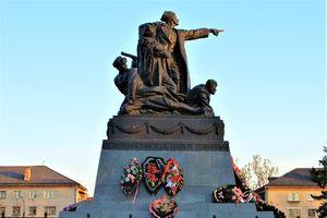 Vị tướng Xô viết được quân Đức mai táng theo nghi thức nhà binh