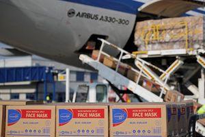 Nỗ lực viện trợ nhưng chiến lược 'ngoại giao khẩu trang' của TQ khiến các nước nghi ngại