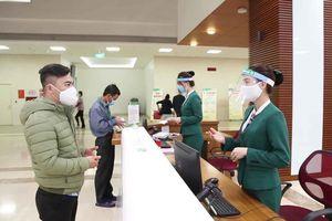 Bệnh viện Trung ương Quân đội 108 thiết kế mũ chắn giọt bắn ngăn ngừa virus SARS-CoV-2