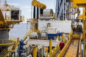 Lo ngại nhiều nước kéo dài lệnh phong tỏa, giá dầu Brent chạm đáy 18 năm