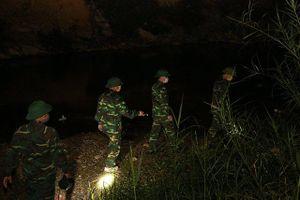 Cắm chốt chống dịch ở biên giới Lào Cai
