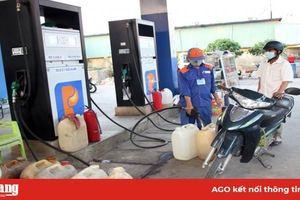 An Giang: Người dân mua xăng, dầu dự trữ, bởi tin đồn thất thiệt