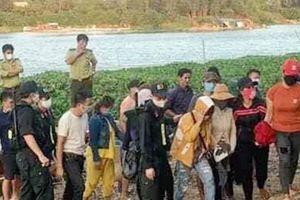 Đột kích sới bạc trên sông ở Đồng Nai, bắt hơn 20 đối tượng