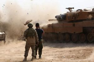 Thổ Nhĩ Kỳ và Syria chuẩn bị động binh bất chấp dịch Covid-19 ở đây