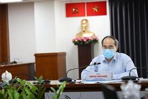 Bí thư Thành ủy TP.HCM Nguyễn Thiện Nhân: Để ít người nhiễm thì phải ngày càng giảm đi sự đi lại, giảm hoạt động tập thể