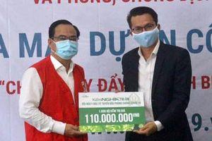 Tặng 1.000 bộ kềm cho y, bác sĩ chống dịch bệnh
