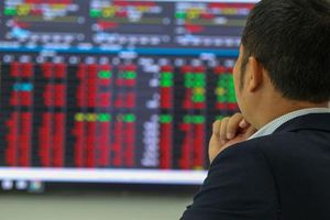 Thị trường chứng khoán Việt Nam bốc hơi vì… đại dịch COVID-19?