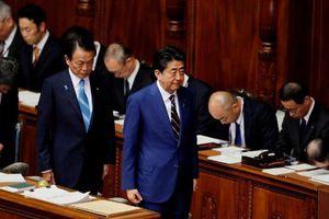 Đề phòng Covid-19, Thủ tướng và Phó Thủ tướng Nhật không cùng dự họp