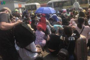 Hai địa phương lớn nhất tại Lào dừng vận chuyển hành khách từ 1/4